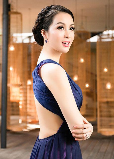 My nhan Viet U40, U50 an van goi cam quen tuoi tac - Anh 2