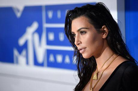 Chi tiet vu Kim Kardashian bi cuop hang trieu USD o Paris - Anh 1