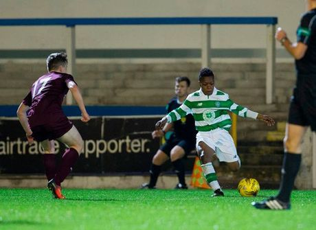 Celtic gay soc voi than dong 13 tuoi Dembele - Anh 1