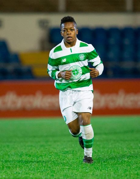 Celtic gay soc voi than dong 13 tuoi Dembele - Anh 5