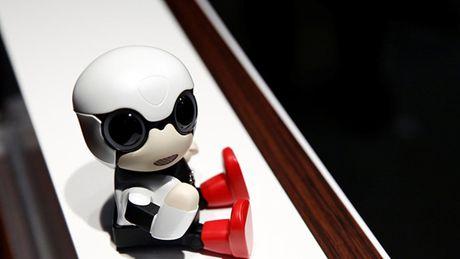Toyota che tao robot-em be cho phu nu khong con - Anh 1