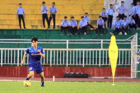 Cong Phuong khoe kieu toc hot boy - Anh 4
