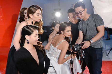 Pham Huong tranh thu selfie, Lilly Nguyen ngu gat khi chup anh - Anh 8