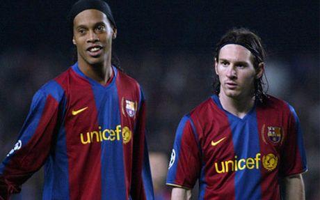 Dieu Ronaldinho tiec nhat: Choi cung Messi qua it - Anh 1
