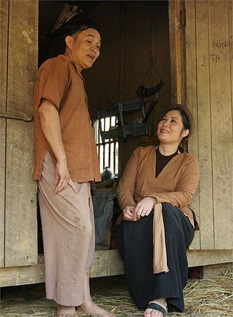 Hong Van: 'Neu khong phai Xuan Hinh, ai dam vo nguc se 'thang' show he cheo' - Anh 2