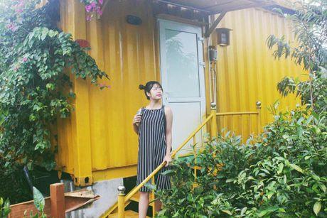 Len Moc Chau thu cam giac ngu trong container day mau sac - Anh 3
