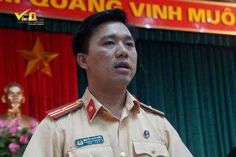 Lanh dao CSGT Ha Noi tu choi tra loi viec xu phat phong vien Quang The - Anh 1