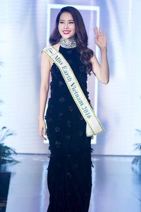 Ngam trang phuc dan toc, trang phuc da hoi cua Nam Em tai Miss Earth - Anh 1