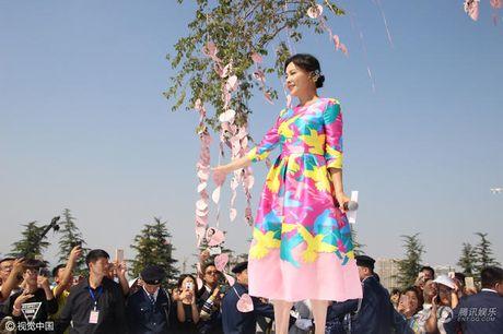 Nguong mo 'nhan sac khong tuoi' cua Luu Gia Linh - Anh 2