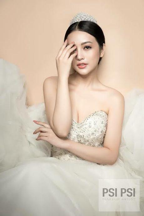 'Hot girl' giong Chau Tan ben duyen nghe thuat - Anh 2