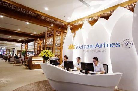 Vietnam Airlines khai truong Phong khach Bong Sen tai san bay Noi Bai - Anh 2
