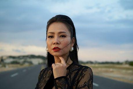 Fan 'lanh song lung' truoc bieu cam qua dang so cua Thu Minh - Anh 9