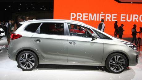 Can canh doi thu Toyota Innova voi nang cap tu trong ra ngoai - Anh 3