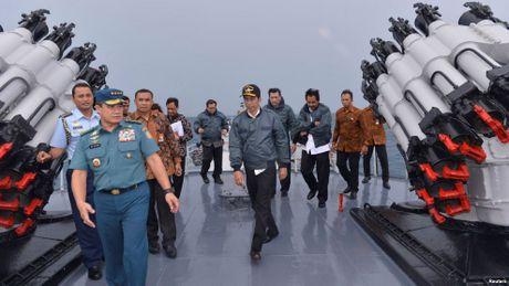 Indonesia sap tap tran quy mo gan 'duong 9 doan' - Anh 1