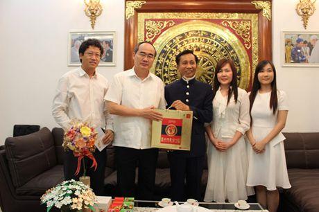 Chu tich Nguyen Thien Nhan tham Hiep si Dai Thanh Gia Le Duc Thinh - Anh 2