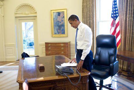 Nhung khoanh khac hau truong cua Obama suot 8 nam qua - Anh 2