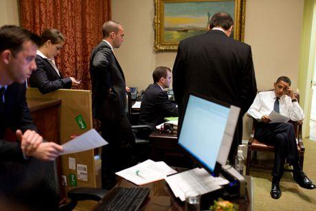 Nhung khoanh khac hau truong cua Obama suot 8 nam qua - Anh 5