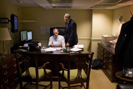 Nhung khoanh khac hau truong cua Obama suot 8 nam qua - Anh 6