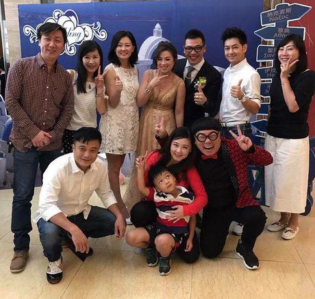 Lam Chi Dinh tre trung khi chup anh cung ban hoc cap 3 - Anh 3