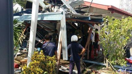 Malaysia: Truc thang quan su bat ngo dam noc truong hoc - Anh 1