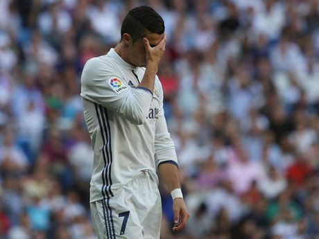 Real Madrid dung cuong neu Ronaldo chua ghi ban - Anh 1