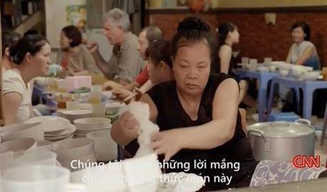 Viet ve 'bun chui' len CNN, nha bao Truong Anh Ngoc 'an chui' - Anh 1