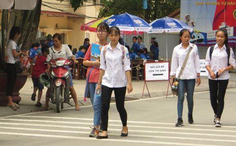 Thi THPT Quoc gia nam 2017: Lo lang cau hoi trac nghiem o bai to hop - Anh 1