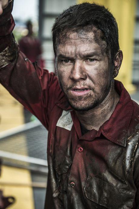 'Deepwater Horizon' lot top 3 bo phim co doanh thu cao nhat tuan qua - Anh 1