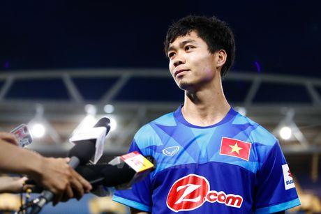 Cong Phuong trai long ve tinh canh tren ghe du bi o J-League 2 - Anh 1