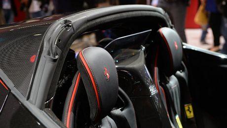 Sieu xe Ferrari LaFerrari Aperta gia 58,4 ty dong chay hang - Anh 11