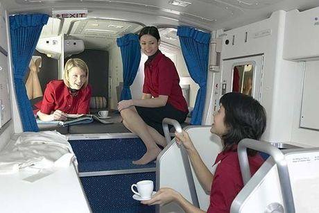 'Mo' dong may bay cua Vietnam Airlines bi chim troi lam hong - Anh 14