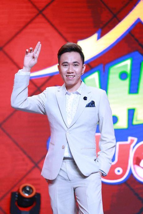 Nha Cuoi: NSUT Hoai Linh ngoi ghe truot pha dam dien vien tre - Anh 2