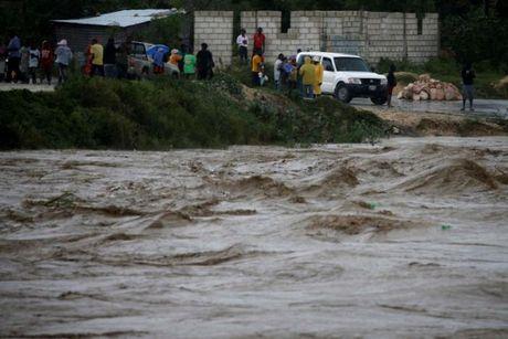 Sieu bao Matthew manh nhat trong 10 nam tan cong Haiti - Anh 1