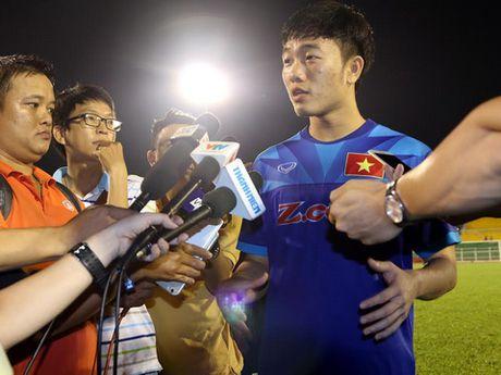 Bi hoi kho, Cong Phuong va Xuan Truong phan ung trai nguoc - Anh 1