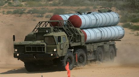 Bo Quoc phong Nga xac nhan cung cap ten lua S-300 cho Syria - Anh 1
