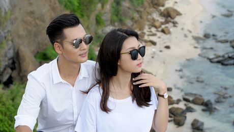 """Hoa hau Do My Linh """"tinh tu"""" voi Duc Tuan o Ly Son - Anh 1"""