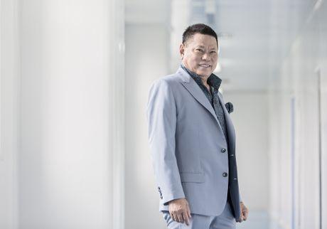 Ty phu goc Viet dung thu 214 trong Top 400 nguoi giau nhat nuoc My - Anh 1