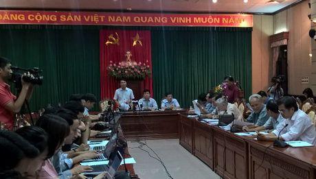 """Hoang Xuan Vinh tu choi nhan """"Cong dan Thu do uu tu"""" - Anh 1"""