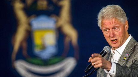 Noi ho, ong Bill Clinton gian tiep 'ung ho' Donald Trump - Anh 1