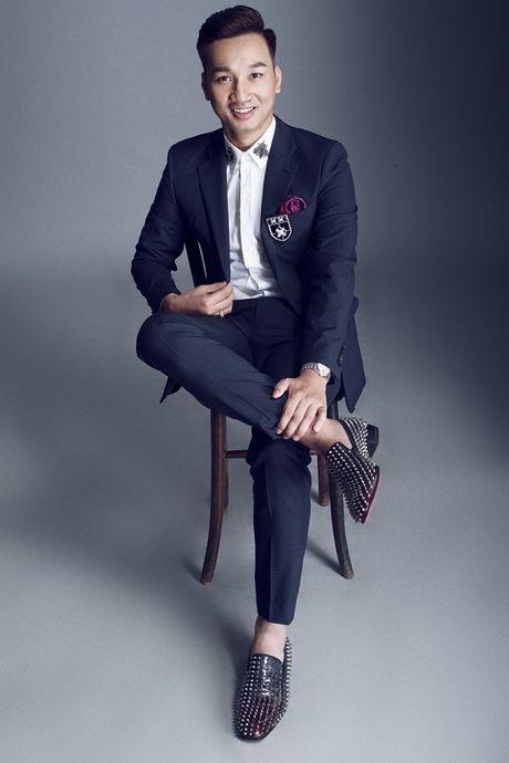 Thanh Trung dang 'lam le' ngoi vi MC dat show truyen hinh - Anh 6