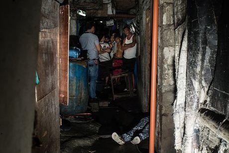 "Canh sat mat Philippines ke ve ""nhiem vu giet nguoi cao ca"" - Anh 2"