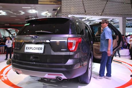 Ra mat Ford Explore 2017 hoan toan moi gia 2,18 ty tai trien lam VMS 2016 - Anh 11