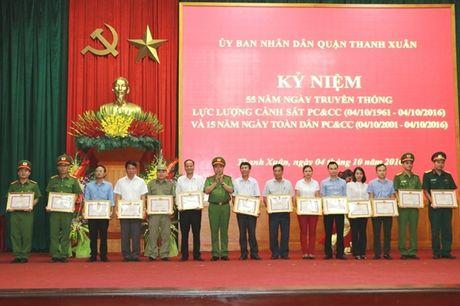 Cac quan, huyen TP Ha Noi ky niem 55 nam ngay truyen thong luc luong Canh sat PCCC - Anh 4