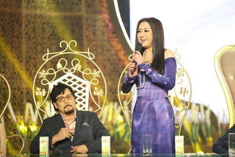 Phi Nhung doa 'chat chem' Manh Quynh o Solo cung Bolero 2016 - Anh 4