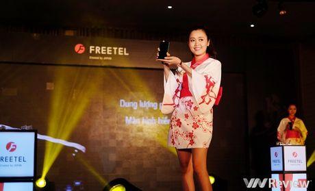 FreeTel ra mat 5 smartphone gia re, co mau nap gap - Anh 12