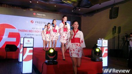FreeTel ra mat 5 smartphone gia re, co mau nap gap - Anh 14
