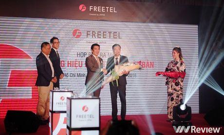 FreeTel ra mat 5 smartphone gia re, co mau nap gap - Anh 1