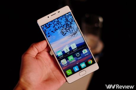 FreeTel ra mat 5 smartphone gia re, co mau nap gap - Anh 7