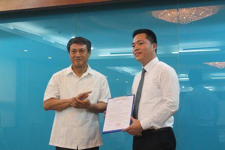 Ong Dinh Duc Thien lam quyen Hieu truong Truong Can bo TT&TT - Anh 1