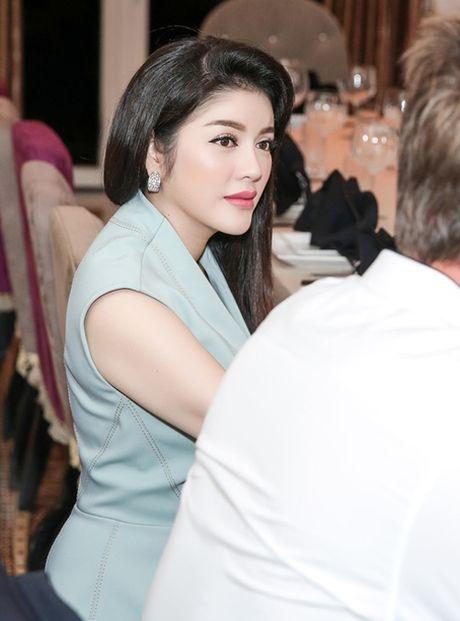 Ly Nha Ky gap ong trum truyen thong tai biet thu dat vang sieu sang - Anh 3